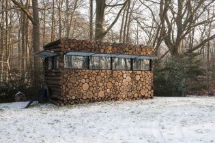 log house study on wheels, Hans Liberg (86 images)